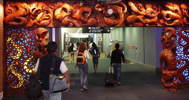 auckland-airport.jpg