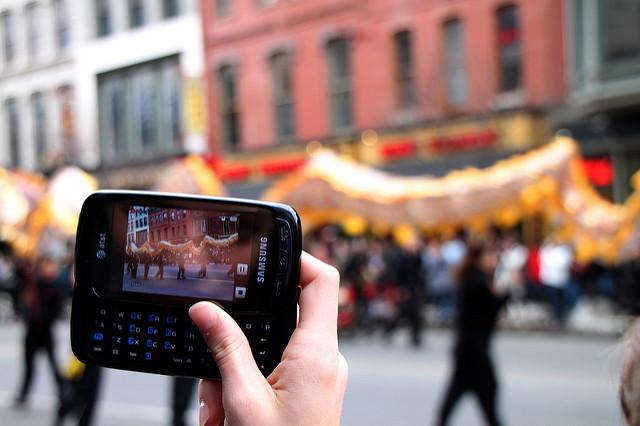 smartphone-video-editing.jpg