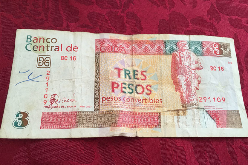 imgcubanpesos-830x553.jpg
