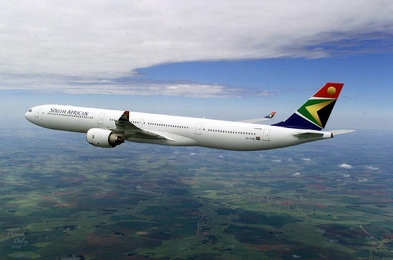 Undated handout photo of the Airbus A340-600 sporting the logo and colors of South African Airways .    AFP PHOTO -AIRBUS /PASCAL PAVANI/pp / AFP PHOTO / PASCAL PAVANI